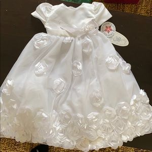 NWT SweaPea & Lilli baby christenings baptism gown